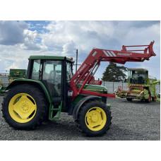 Трактор John Deere 6300